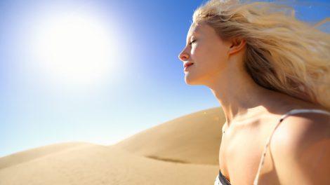 Je regelmatig blootstellen aan zonlicht voorziet je lichaam van de nodige vitamine D